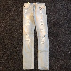 white washed ripped skinny jeans